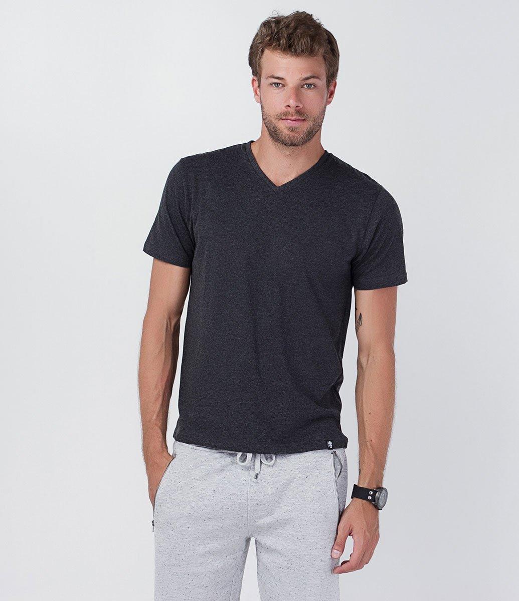 6fd145009b ... Camiseta Básica com Gola V. Brinde