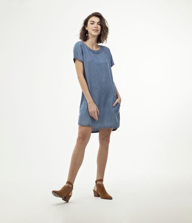 Vestido feminino Modelo T-Shirt Dress Marca: Marfinno Tecido: Liocel Modelo veste tamanho: P  Medidas da modelo:  Altu...
