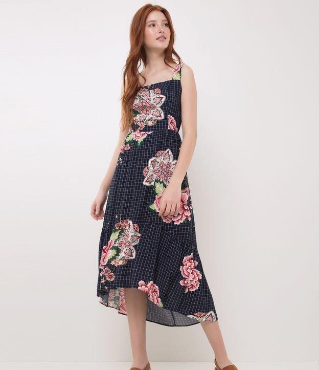 Vestido feminino Moldeo midi Em xadrez grid Floral Com amarração nas costas Com babados Marca: Blue Steel Tecido: viscos...