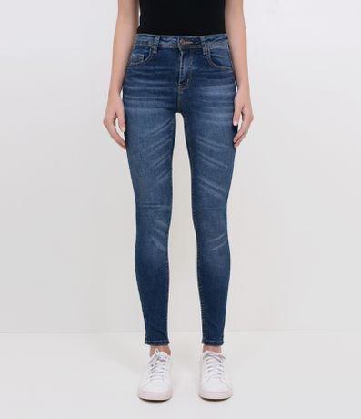Calça Skinny Push up em Jeans com LYCRA®