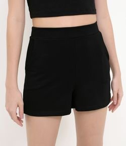 Short Hot Pants com Bolsos