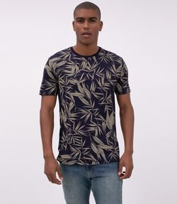 Camiseta Regular Estampada Folhagens