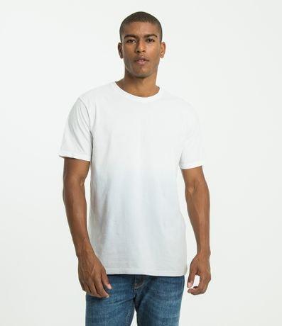cc8dfb9c8 Camiseta Masculina: Lisa, Estampada, com Bolso - Renner