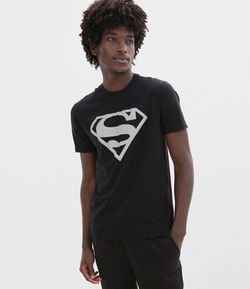 Camiseta Estampa Escudo Superman Refletivo