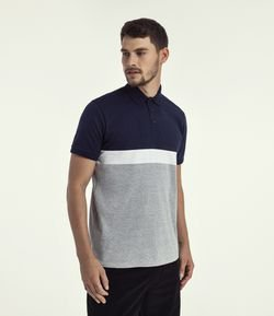Camiseta Polo Lisa com Recortes