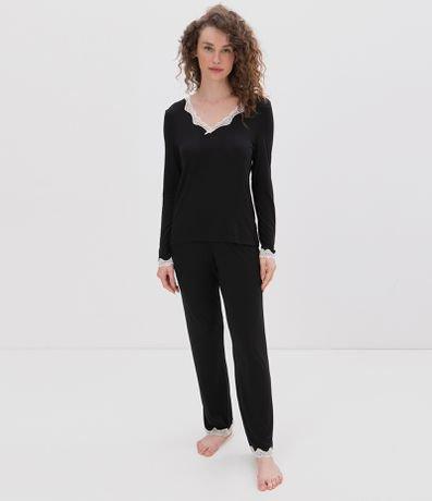 Pijama Calça Manga Longa Liso com Renda