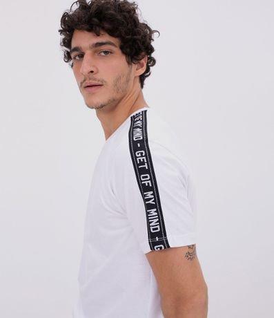 Camiseta Lisa com Tape nos Ombros