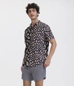 Camisa Manha Curta Estampa Animal Print Moderno em Viscose