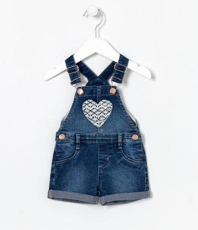 Jardineira Infantil Jeans com Coração de Rendinha - Tam 3 a 18 meses