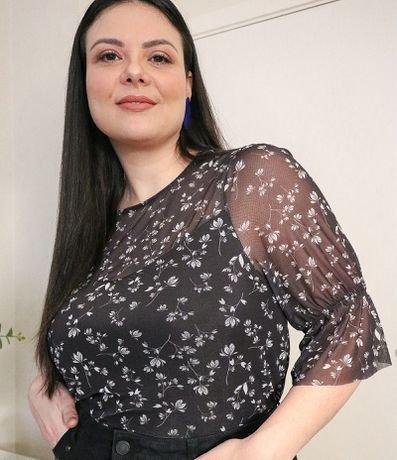 Blusa em Tule Floral Curve & Plus Size