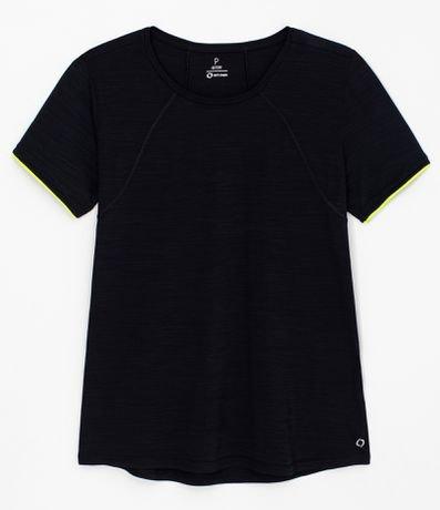 Camiseta Esportiva Manga Curta com Recortes