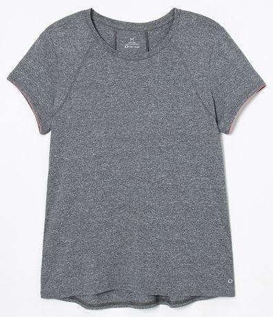 Camiseta Esportiva Manga Curta Lisa com Recortes
