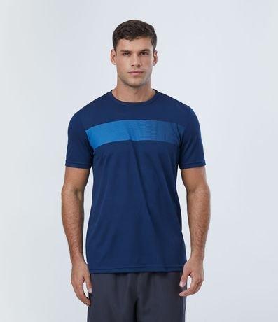 Camiseta Esportiva com Estampa Frontal