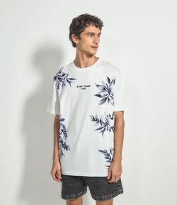 Camiseta Floral com Estampa Frontal