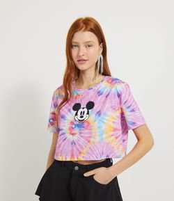 Blusa Cropped Manga Curta Padronagem Tie Dye e Estampa Frontal Mickey