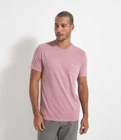 Camiseta Regular Fit Lavada com Bolso